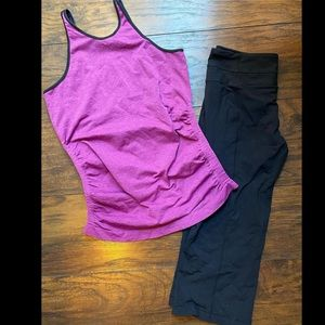 Lululemon LOT capri size 6 purple top black pants
